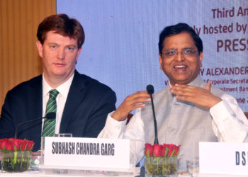 The Secretary, Department of Economic Affairs, M/o Finance, Shri Subhash Chandra Garg and the Vice President & Corporate Secretary, Asia Infrastructure Investment Bank, Mr. Danny Alexander at the press conference regarding 3rd Annual Meeting, in Mumbai on June 24, 2018.