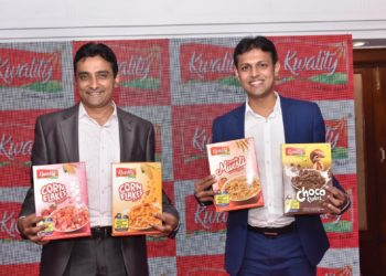 """Mr. Naresh Pagariya, Managing Director, Pagariya Food Pvt. Ltd and Mr.Dheeraj Jain, Director Sale and Marketing, Pagariya Food Pvt. Ltd launching """"Breakfast Cereals"""" in Bengaluru."""