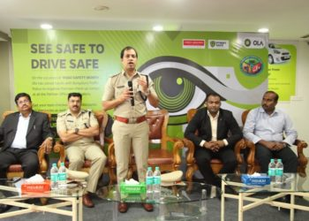 Mr.Anupam Agrawal, DCP Traffic – East, inaugurated Eye Check–up camp and led a seminar on road safety
