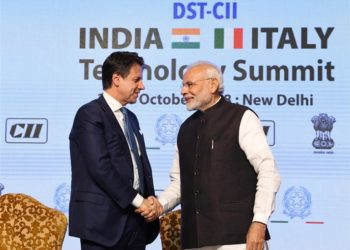The Prime Minister, Narendra Modi and the Prime Minister of Italy, Mr. Giuseppe Conte at the valedictory session of the India-Italy Technology Summit, in New Delhi on October 30, 2018