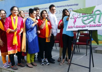 """Dr. Nandita Palshetkar, President Elect, FOGSI and Ms. Sreeleela, Actress, Youth Icon & Ambassador of """"SweetHeart"""" project unveiling the logo of FOGSI 2019 """"We for Stree"""" in the presence of Dr. Hema Divakar, Organising Chairman, AICOG 2019; Dr. Sheela V. Mane, Organising Secretary, AICOG 2019; Shri. C. N. Ashwath Narayan, Hon'ble MLA, Malleshwaram; Mr. Viraat, Actor & Supporter of Women's Health; Mr. A. P. Arjun, Director & Supporter of Women's Health during the Walkathon organized by FOGSI and BSOG from Freedom Park to mark the 62nd All India Congress of Obstetrics and Gynaecology (AICOG 2019) which will be held from 8-12 January 2019 in Bengaluru."""