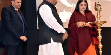 The Union Minister for Women and Child Development, Smt. Maneka Sanjay Gandhi lighting the lamp at the presentation of the National Awards to Anganwadi Workers for exceptional achievement for the year 2017-18, in New Delhi on January 07, 2019. The Minister of State for Women & Child Development and Minority Affairs, Dr. Virendra Kumar and the Secretary, Ministry of Women and Child Development, Rakesh Srivastava are also seen.