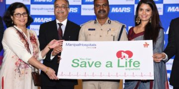 Dr Mabel Vasnaik, Consultant & head, Adult emergency department, Manipal Hospitals, Dr. H Sudarshan Ballal, Chairman, Manipal Hospitals, Mr. P. Harishekaran, Inspector General of Police and Additional Commissioner of Police (Traffic) and Ms. Shwetha R. Prasad, Kannada Actress